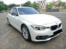 BMW 3 Series 320i Sport 2016 Putih