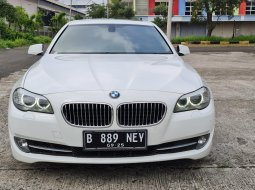 BMW 520i 2.0 Luxury 2012 White On Black Tgn 1 Terawat TDP Paket 70Jt