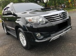 Toyota Fortuner G TRD VNT TURBO AT 2013 Hitam