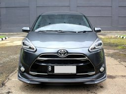 Toyota Sienta Q 2018 Abu-abu
