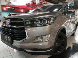 Jual mobil bekas murah Toyota Venturer 2018 di Jawa Timur