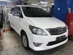 Innova Diesel MT Luxury 2013