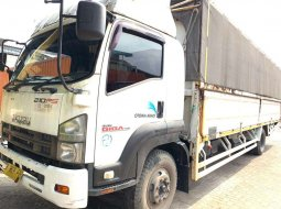 Isuzu Giga engkel 4x2 FTR90S Wingbox manual 2014 Wing box bok 210 ps