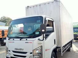 MULUS+BanBARU, MURAH Isuzu Elf 125ps LONG NMR71L Box Besi 2016 CDD