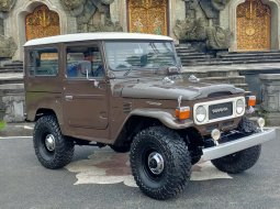 Toyota Land Cruiser HardTop FJ40 th 81
