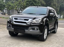 Isuzu MU-X Premiere 2019 SUV LIKE NEW