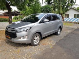 Jual Toyota Kijang Innova V 2018 harga murah di Jawa Timur