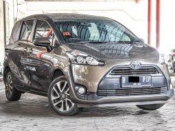 Toyota Sienta V CVT 2017