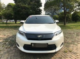 Toyota Harrier 2.0 at 2WD 2014 Putih