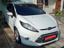 Ford Fiesta 2012 Putih 1.6 L AT S istimewa