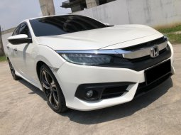 Honda Civic ES SEDAN AT 2018 Putih