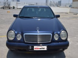 Mercedes-Benz E-Class AT E 320 Tahun 1997 Biru