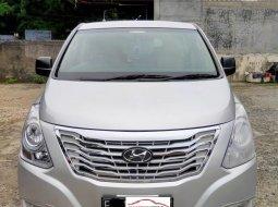 Hyundai H-1 2.5L CRDi XG Tahun 2010 Abu-abu Diesel