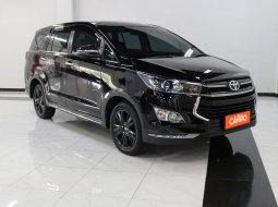 Toyota Innova 2.4 Venturer AT 2019 Hitam