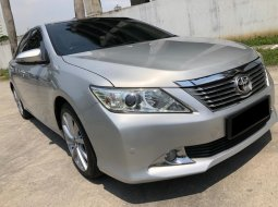 Toyota Camry 2.5 G AT Silver 2012