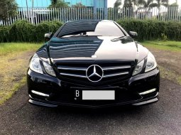 Mercedes-Benz E-Class 250 COUPE AT 2013 Hitam
