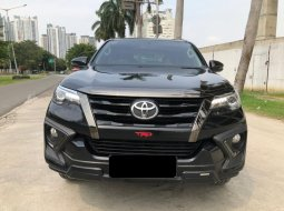 Toyota Fortuner 2.4 VRZ TRD AT HITAM 2019