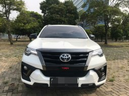 Toyota Fortuner 2.4 VRZ AT 2020 Putih