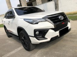 Toyota Fortuner 2.4 VRZ TRD AT 2020