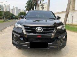 Toyota Fortuner 2.4 VRZ TRD AT 2019 Hitam
