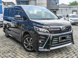Toyota Voxy AT 2018 MPV