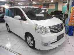 Dijual mobil bekas Toyota NAV1 Luxury V, Jawa Timur