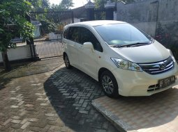 Honda Freed S 2012