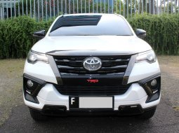 Toyota Fortuner VRZ TRD AT 2020 Putih