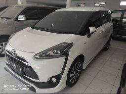 Mobil Toyota Sienta 2017 Q dijual, Jawa Timur