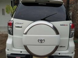 Jawa Timur, Toyota Rush TRD Sportivo 2014 kondisi terawat