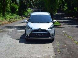 Jual Toyota Sienta V 2017 harga murah di Jawa Tengah