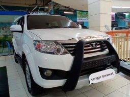 Jual mobil Toyota Fortuner V 2012 bekas, Jawa Timur