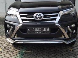 Toyota Fortuner 2.4 VRZ AT 2016 Hitam