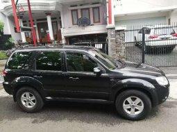 Jawa Barat, Ford Escape Limited 2010 kondisi terawat