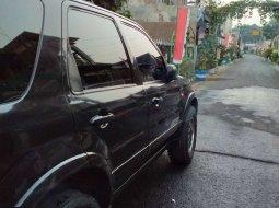 Mobil Ford Escape 2003 dijual, Jawa Timur