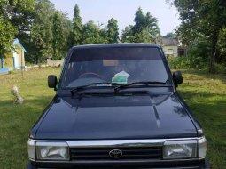 Jawa Timur, Toyota Kijang 1994 kondisi terawat