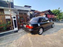 Mobil Mitsubishi Lancer 1995 terbaik di Jawa Tengah