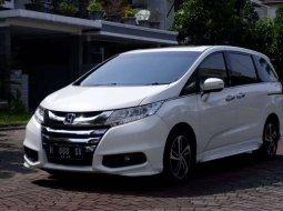 Mobil Honda Odyssey 2015 terbaik di Jawa Tengah