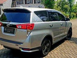 Jual mobil Toyota Venturer 2020 bekas, Jawa Timur