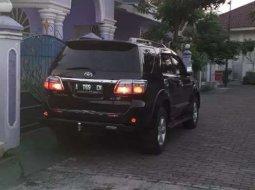 Jual Toyota Fortuner G Luxury 2010 harga murah di Banten