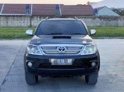 Mobil Toyota Fortuner 2006 V dijual, Jawa Barat