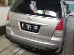 Jual mobil bekas murah Toyota Kijang Innova J 2011 di Jawa Barat