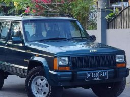 Jeep Cherokee 1994 Bali dijual dengan harga termurah