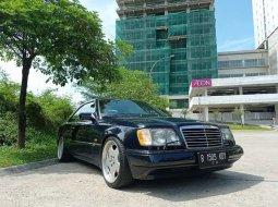 Jual Mercedes-Benz 300CE 1989 harga murah di Jawa Barat