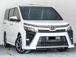 Toyota Voxy CVT 2018 Putih