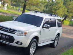 Jawa Barat, jual mobil Ford Everest Limited 2014 dengan harga terjangkau