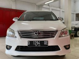 Mobil Toyota Kijang Innova 2012 G terbaik di Jawa Barat