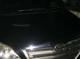 Mobil Toyota Kijang Innova 2014 E terbaik di Jawa Barat
