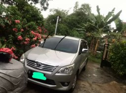 Jual Toyota Kijang Innova G 2012 harga murah di Jawa Barat