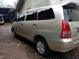Jawa Tengah, Toyota Kijang Innova E 2008 kondisi terawat
